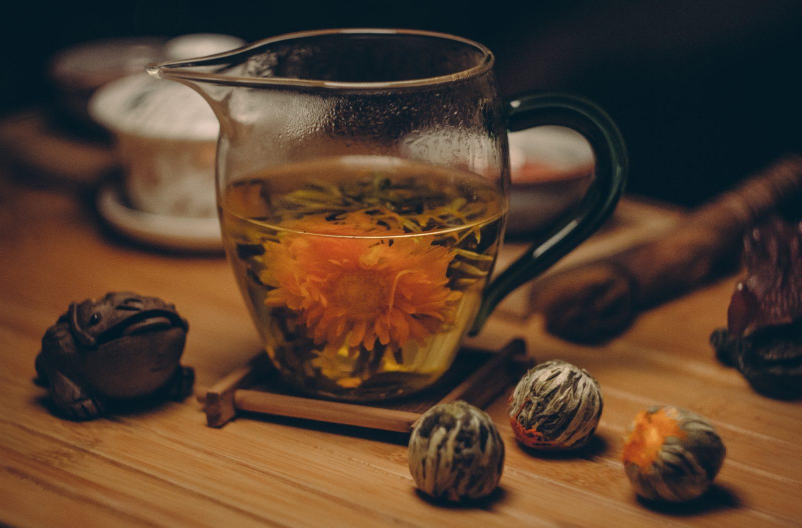 ・Spune-mi ce fel de ceai bei ca să îți zic ce ți se potrivește iarna aceasta