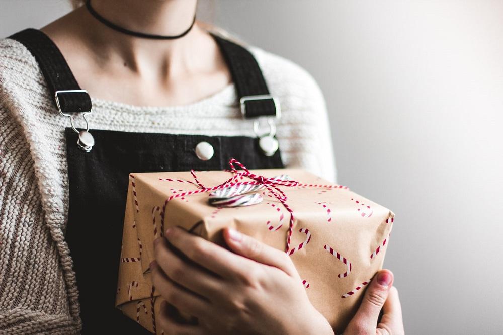 11 Idei de cadouri de Crăciun convenabile