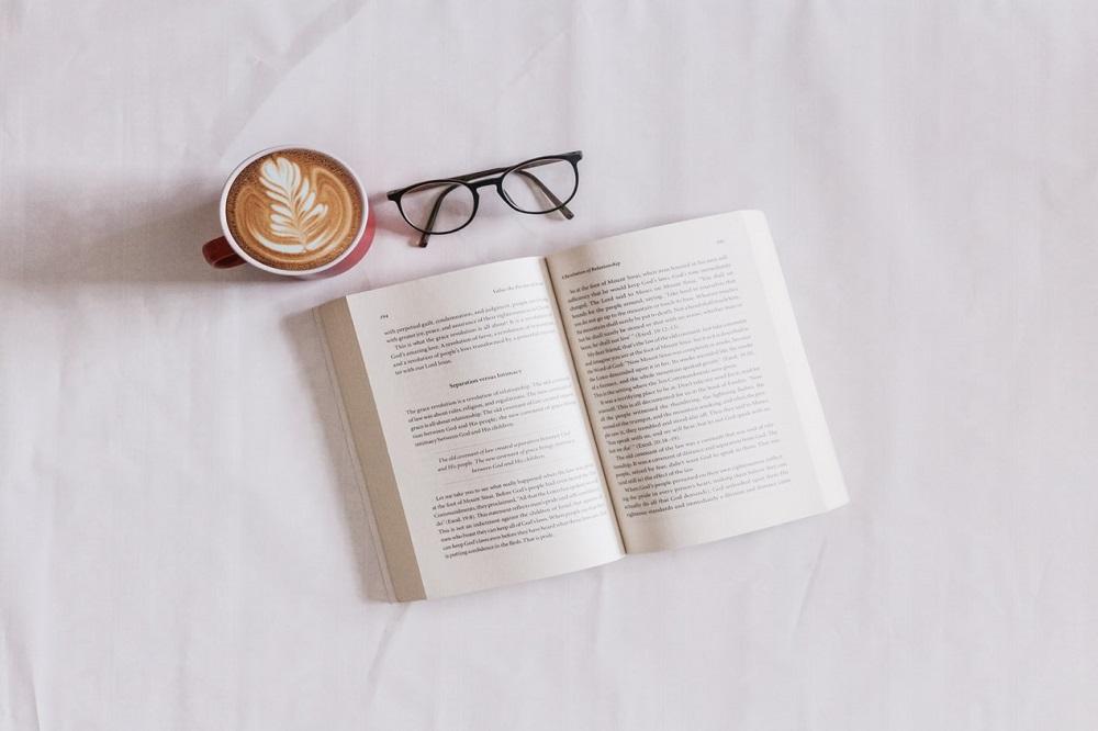 Cum ajungi să iubești cititul?