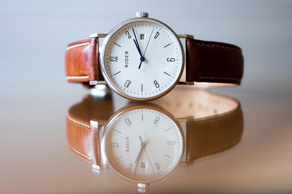 Tot ce trebuie să știi înainte să cumperi un ceas