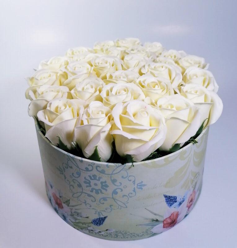 Aranjamente florale originale Lavandiere cu flori parfumate, din săpun 2