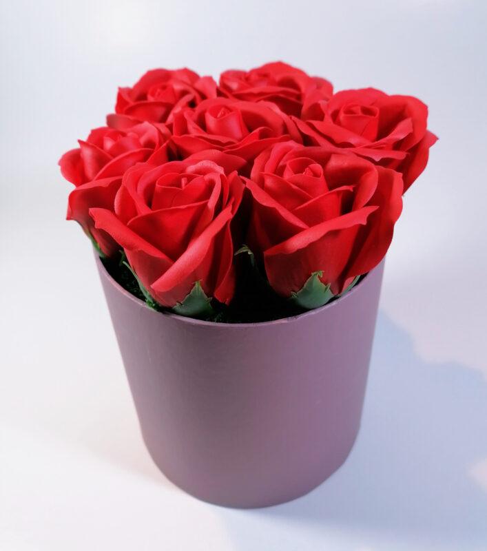 Aranjamente florale originale Lavandiere cu flori parfumate, din săpun 3